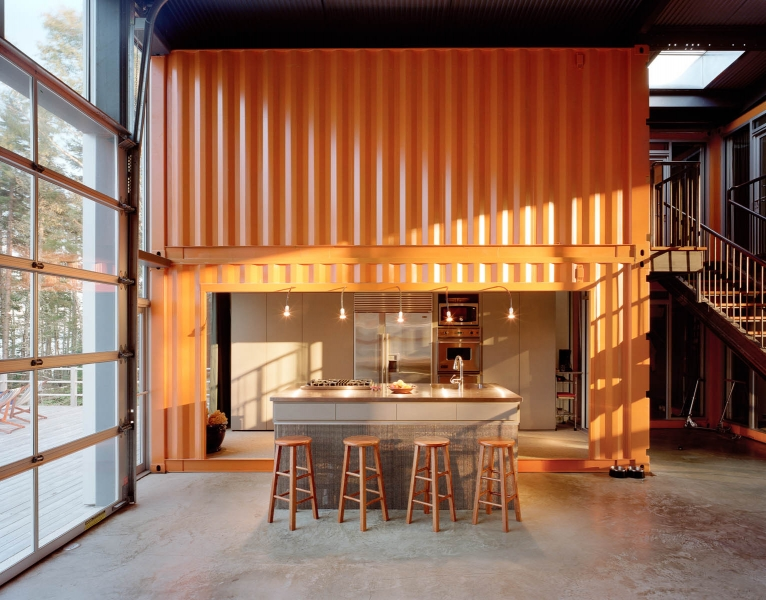 Cargotexture metal container housing comes to maine for Building a house in maine